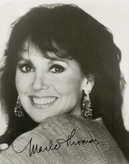 MARLO THOMAS - AUTOGRAPHED SIGNED PHOTOGRAPH