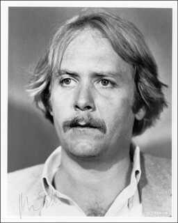 MARTIN MULL - AUTOGRAPHED SIGNED PHOTOGRAPH