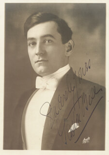 GASTON BELL - AUTOGRAPHED SIGNED PHOTOGRAPH