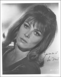 LEE GRANT - AUTOGRAPHED SIGNED PHOTOGRAPH