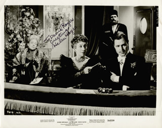 HELEN HAYES - AUTOGRAPHED INSCRIBED PHOTOGRAPH