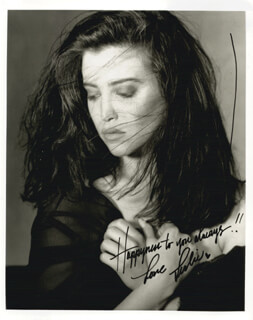 LESLIE BEGA - AUTOGRAPHED SIGNED PHOTOGRAPH