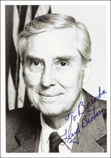 Autographs: LLOYD M. BENTSEN JR. - INSCRIBED PHOTOGRAPH SIGNED