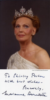 Autographs: PRINCESS MARIANNE BERNADOTTE (SWEDEN) - PHOTOGRAPH SIGNED