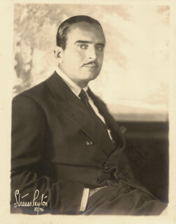 DOUGLAS FAIRBANKS SR. - AUTOGRAPHED SIGNED PHOTOGRAPH 1925