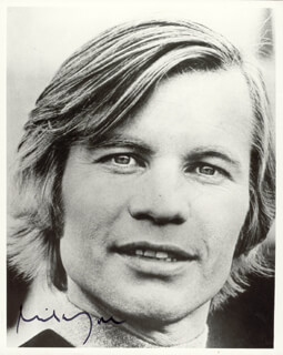 MICHAEL YORK - AUTOGRAPHED SIGNED PHOTOGRAPH 1984