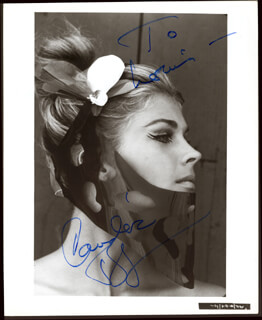 CANDICE BERGEN - AUTOGRAPHED INSCRIBED PHOTOGRAPH