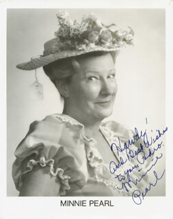 MINNIE PEARL - AUTOGRAPHED INSCRIBED PHOTOGRAPH