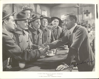 ALEXANDER KNOX - AUTOGRAPHED SIGNED PHOTOGRAPH CIRCA 1944