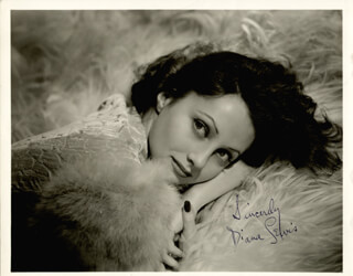 DIANA MOUSIE LEWIS - AUTOGRAPHED SIGNED PHOTOGRAPH