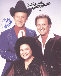 KITTY WELLS - AUTOGRAPHED SIGNED PHOTOGRAPH CO-SIGNED BY: JOHNNIE WRIGHT