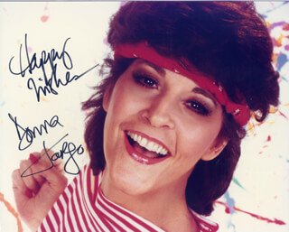 DONNA FARGO - AUTOGRAPHED SIGNED PHOTOGRAPH