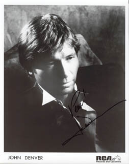 JOHN DENVER - AUTOGRAPHED SIGNED PHOTOGRAPH