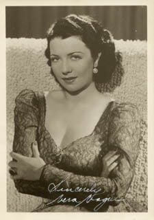 VERA VAGUE - AUTOGRAPHED SIGNED PHOTOGRAPH