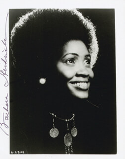 BARBARA HENDRICKS - AUTOGRAPHED SIGNED PHOTOGRAPH