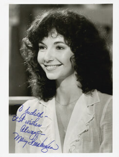 MARY STEENBURGEN - AUTOGRAPHED INSCRIBED PHOTOGRAPH