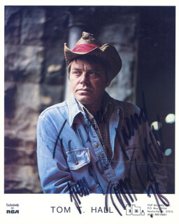 TOM T. HALL - INSCRIBED PRINTED PHOTOGRAPH SIGNED IN INK 1976