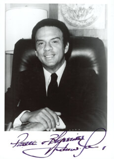 ANDREW YOUNG - AUTOGRAPHED SIGNED PHOTOGRAPH