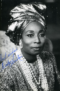 MADGE SINCLAIR - AUTOGRAPHED SIGNED PHOTOGRAPH