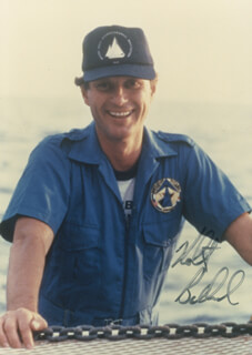 Autographs: ROBERT BALLARD - PHOTOGRAPH SIGNED