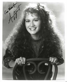AMY GRANT - AUTOGRAPHED SIGNED PHOTOGRAPH