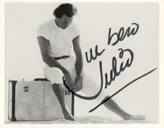 JULIO IGLESIAS - AUTOGRAPHED SIGNED PHOTOGRAPH