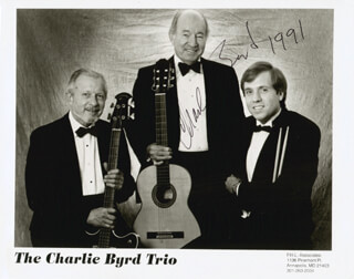 Autographs: CHARLIE BYRD - PHOTOGRAPH SIGNED 1991