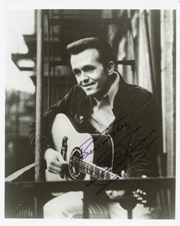 Autographs: BILL WHISPERING BILL ANDERSON - PHOTOGRAPH SIGNED