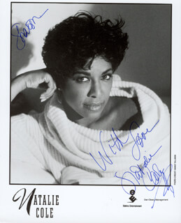 NATALIE COLE - INSCRIBED PRINTED PHOTOGRAPH SIGNED IN INK