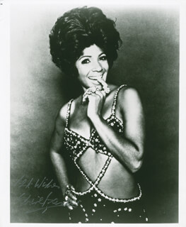 SHIRLEY BASSEY - AUTOGRAPHED SIGNED PHOTOGRAPH