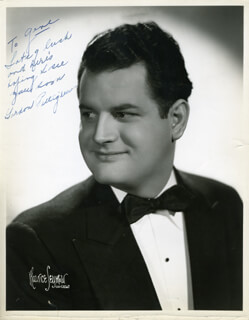 GORDON PETTIGREW - AUTOGRAPHED INSCRIBED PHOTOGRAPH