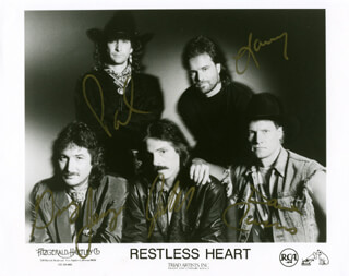 RESTLESS HEART - AUTOGRAPHED SIGNED PHOTOGRAPH CO-SIGNED BY: RESTLESS HEART (LARRY STEWART), RESTLESS HEART (JOHN DITTRICH), RESTLESS HEART (PAUL GREGG), RESTLESS HEART (DAVE INNIS), RESTLESS HEART (GREG JENNINGS)