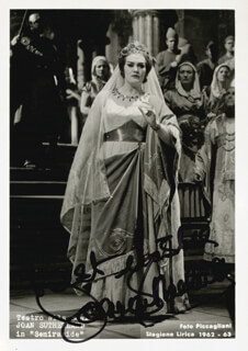 DAME JOAN SUTHERLAND - AUTOGRAPHED SIGNED PHOTOGRAPH CIRCA 1963