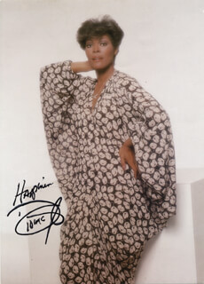 DIONNE WARWICK - AUTOGRAPHED SIGNED PHOTOGRAPH