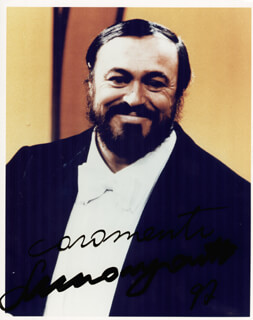 LUCIANO PAVAROTTI - AUTOGRAPHED SIGNED PHOTOGRAPH 1992