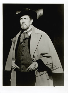 VINCENT PRICE - PHOTOGRAPH UNSIGNED