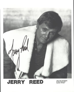 JERRY REED - AUTOGRAPHED SIGNED PHOTOGRAPH