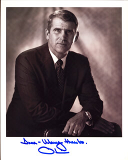 LT. COLONEL OLIVER L. NORTH - AUTOGRAPHED INSCRIBED PHOTOGRAPH