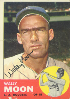 WALLY MOON - TRADING/SPORTS CARD SIGNED
