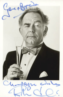 ROBIN LEACH - AUTOGRAPHED SIGNED PHOTOGRAPH