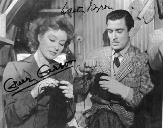 MRS. MINIVER MOVIE CAST - MAGAZINE PHOTOGRAPH SIGNED CO-SIGNED BY: WALTER PIDGEON, GREER GARSON