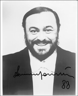 LUCIANO PAVAROTTI - AUTOGRAPHED SIGNED PHOTOGRAPH 1988
