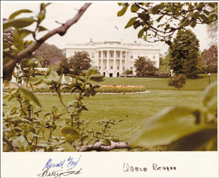PRESIDENT GERALD R. FORD - AUTOGRAPHED SIGNED PHOTOGRAPH CO-SIGNED BY: FIRST LADY NANCY DAVIS REAGAN, FIRST LADY BETTY FORD