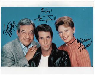 HAPPY DAYS TV CAST - AUTOGRAPHED SIGNED PHOTOGRAPH CO-SIGNED BY: TOM BOSLEY, MARION ROSS, HENRY THE FONZ WINKLER