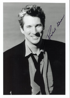 RICHARD GERE - AUTOGRAPHED SIGNED PHOTOGRAPH