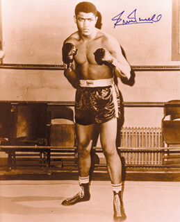 ERNIE TERRELL - AUTOGRAPHED SIGNED PHOTOGRAPH