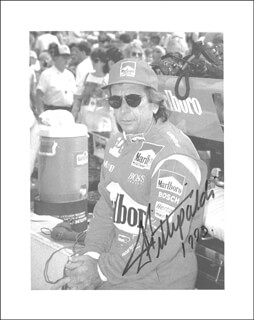 Autographs: EMERSON FITTIPALDI - PHOTOGRAPH SIGNED 1993