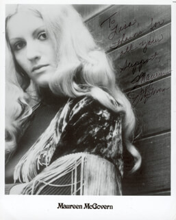 MAUREEN McGOVERN - INSCRIBED PRINTED PHOTOGRAPH SIGNED IN INK