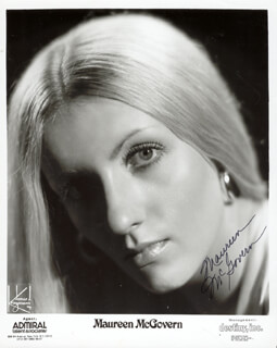 MAUREEN McGOVERN - PRINTED PHOTOGRAPH SIGNED IN INK