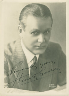 HUNTLEY GORDON - AUTOGRAPHED SIGNED PHOTOGRAPH